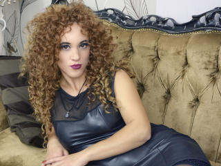 QueenSinner live oral sex show