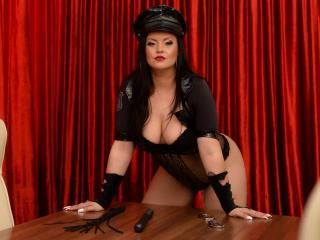 QueenScarlet horny webcam performer